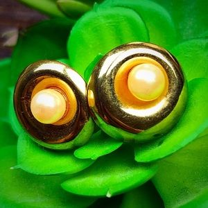 VTG Gold Tone Post Earrings with Pearls